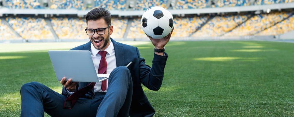 Cosa ho imparato su LinkedIn e sulle aziende facendo l'arbitro di calcio